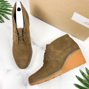 NIB Clarks Hazen Charm Chukka Wedge Ankle Boots 9M